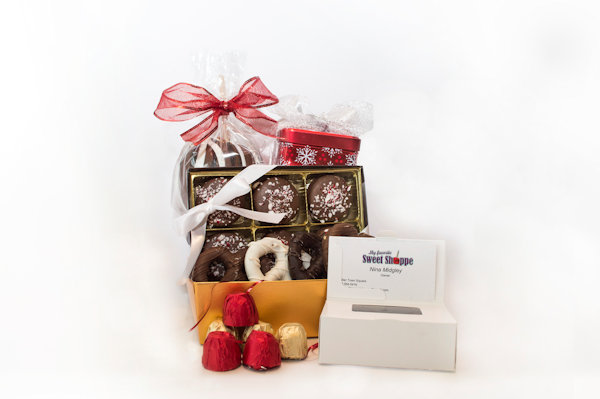 Medium Holiday Basket