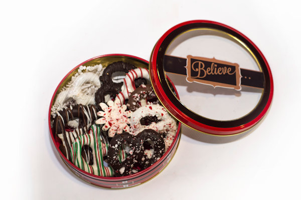 Holiday Twist Tin 5 Holiday Twists, 1 Triple Chocolate Twist , 1 Milk Chocolate Twist, 1 Dark Chocolate Twist