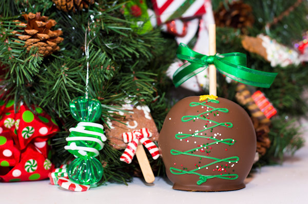 Holiday Caramel Apples Christmas Tree (Available in Milk, White or Dark Chocolate)